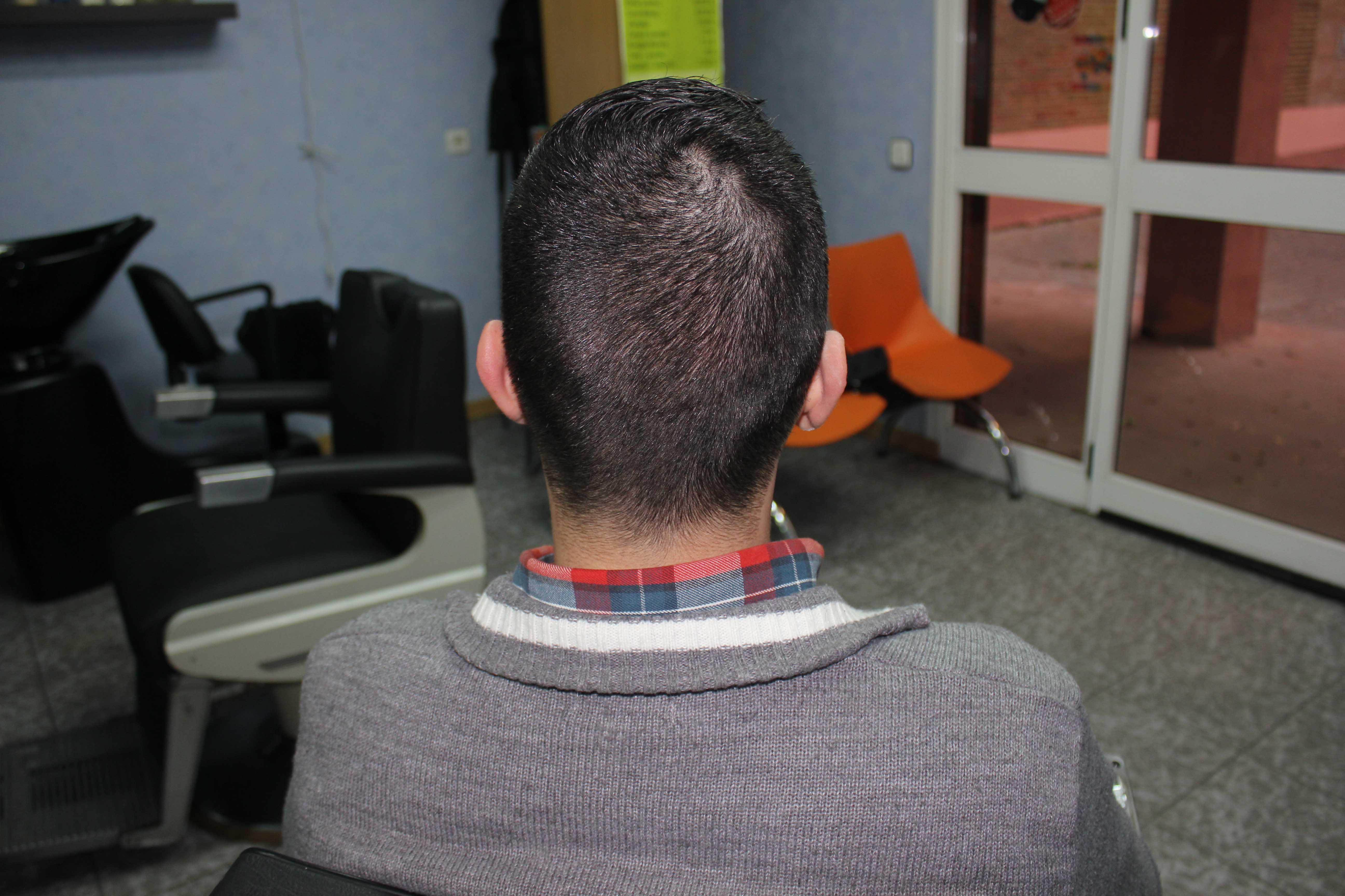 Acabado cuello corte de pelo