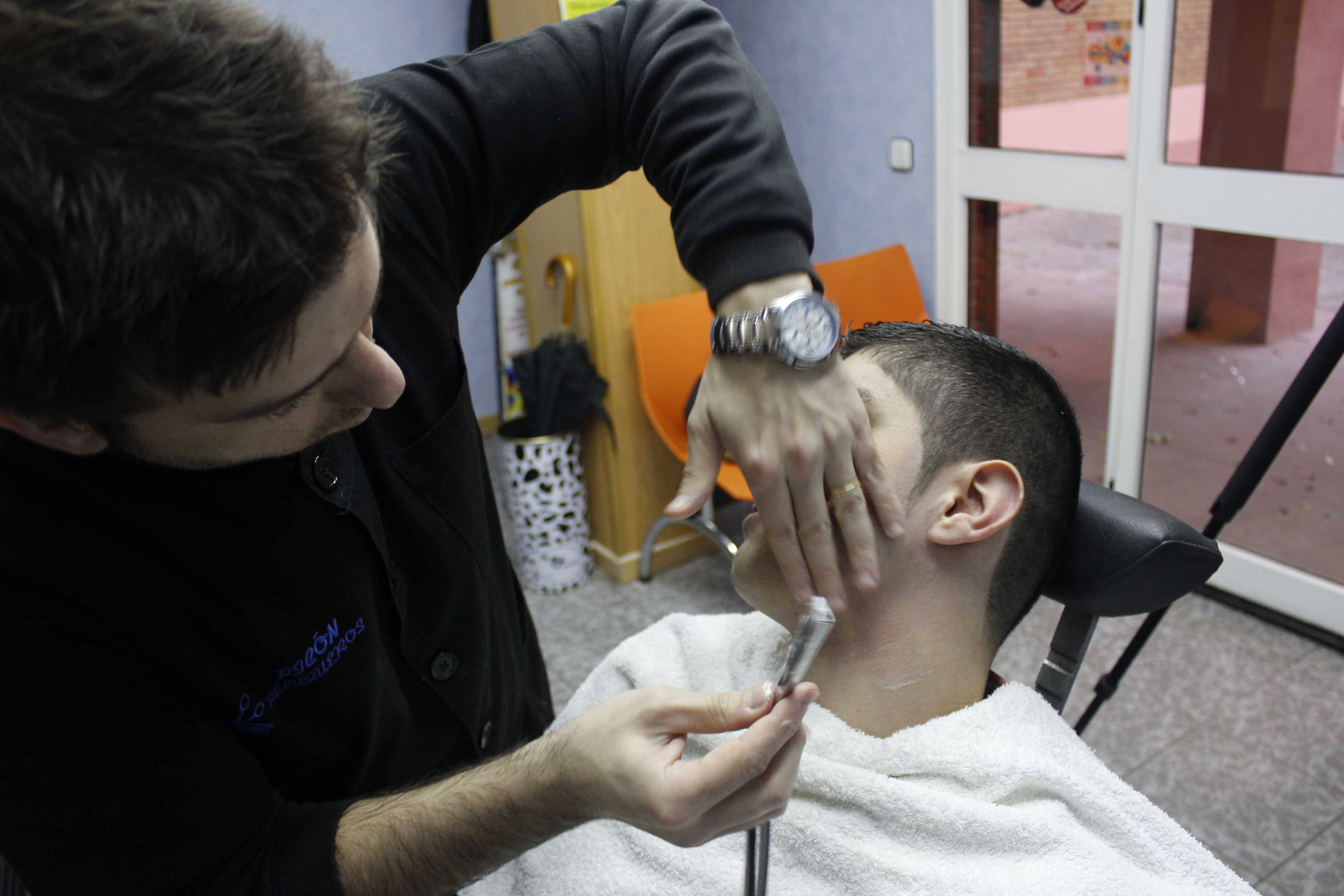 Afeitado clásico a navaja